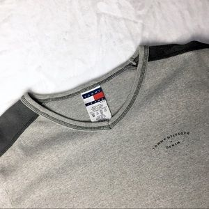 Tommy Hilfiger Tops - Tommy Hilfiger Thin Gray Long Sleeve Crewneck